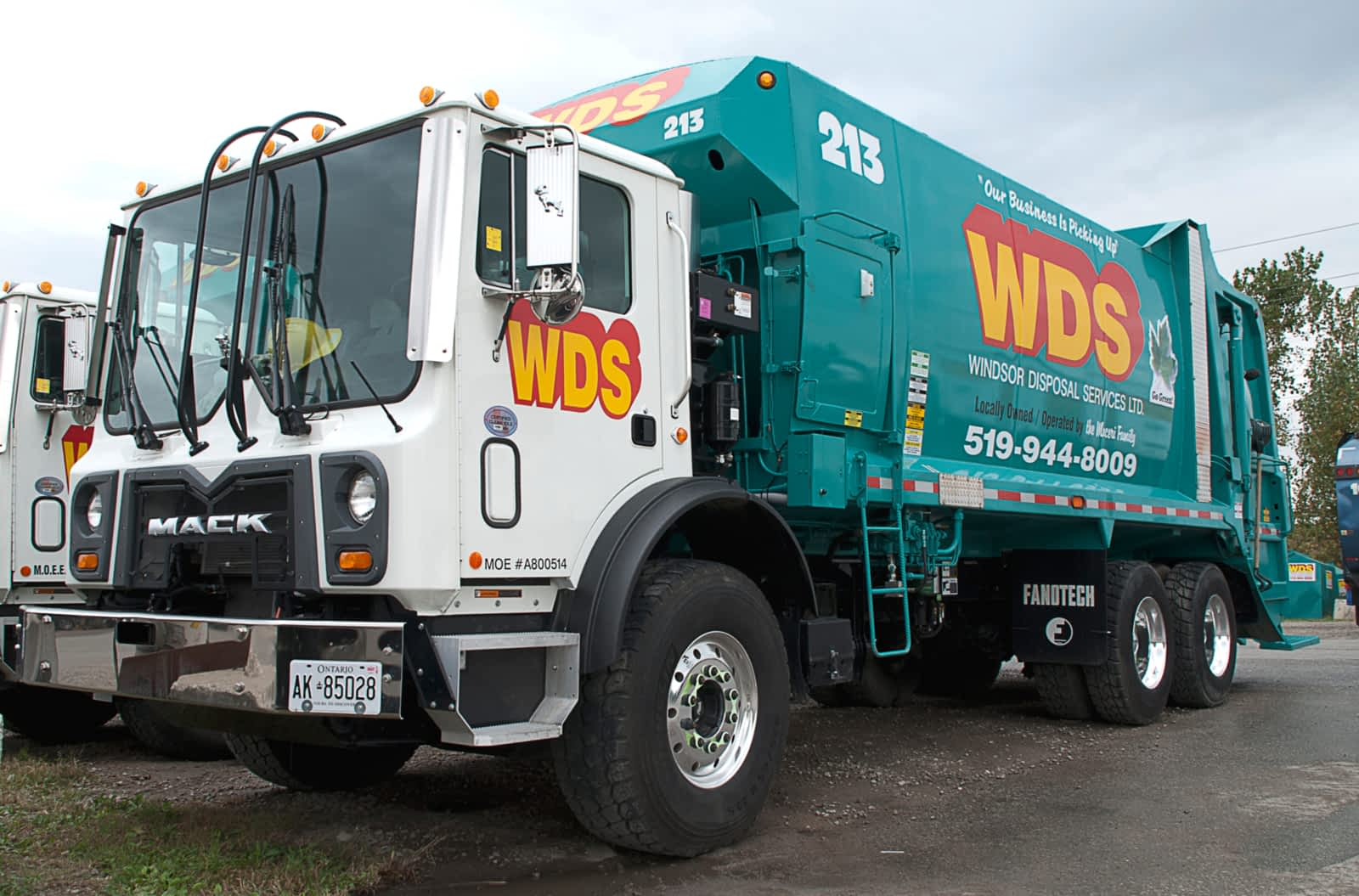 image of a garbage truck