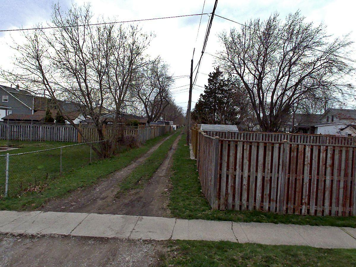 alley in Tecumseh