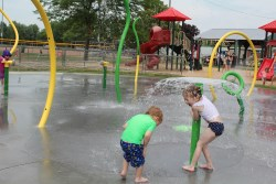 image of kids at the splash pad